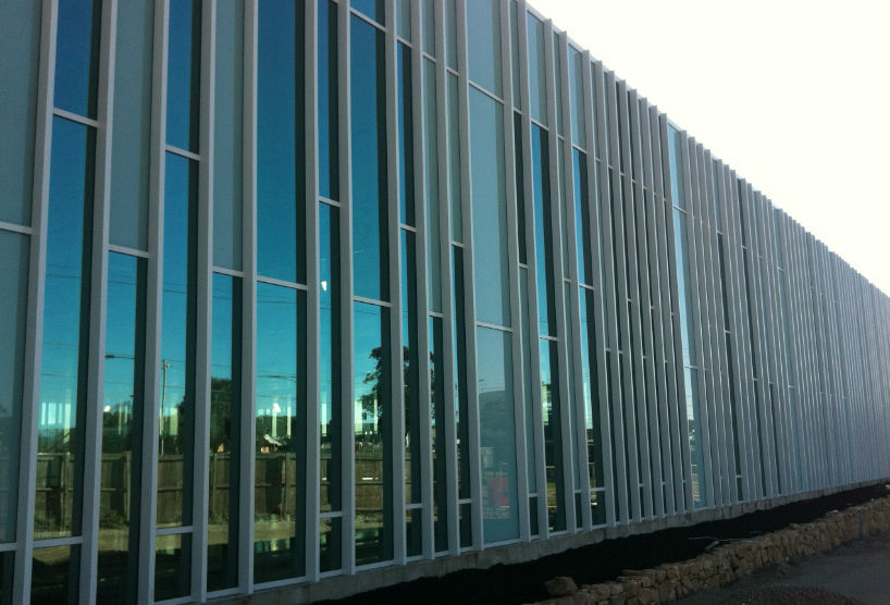 an example of an aluminium THERM+ curtain wall